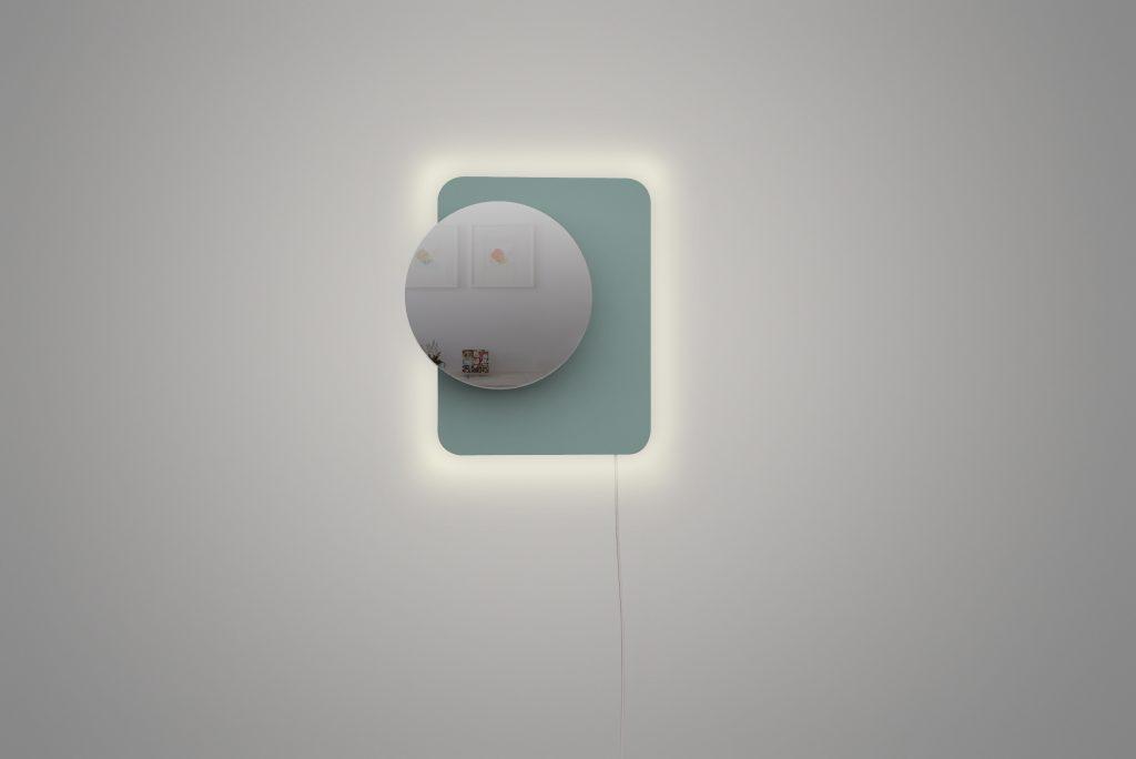 luminaire-miroir.def-alluméenv-3-1024x684